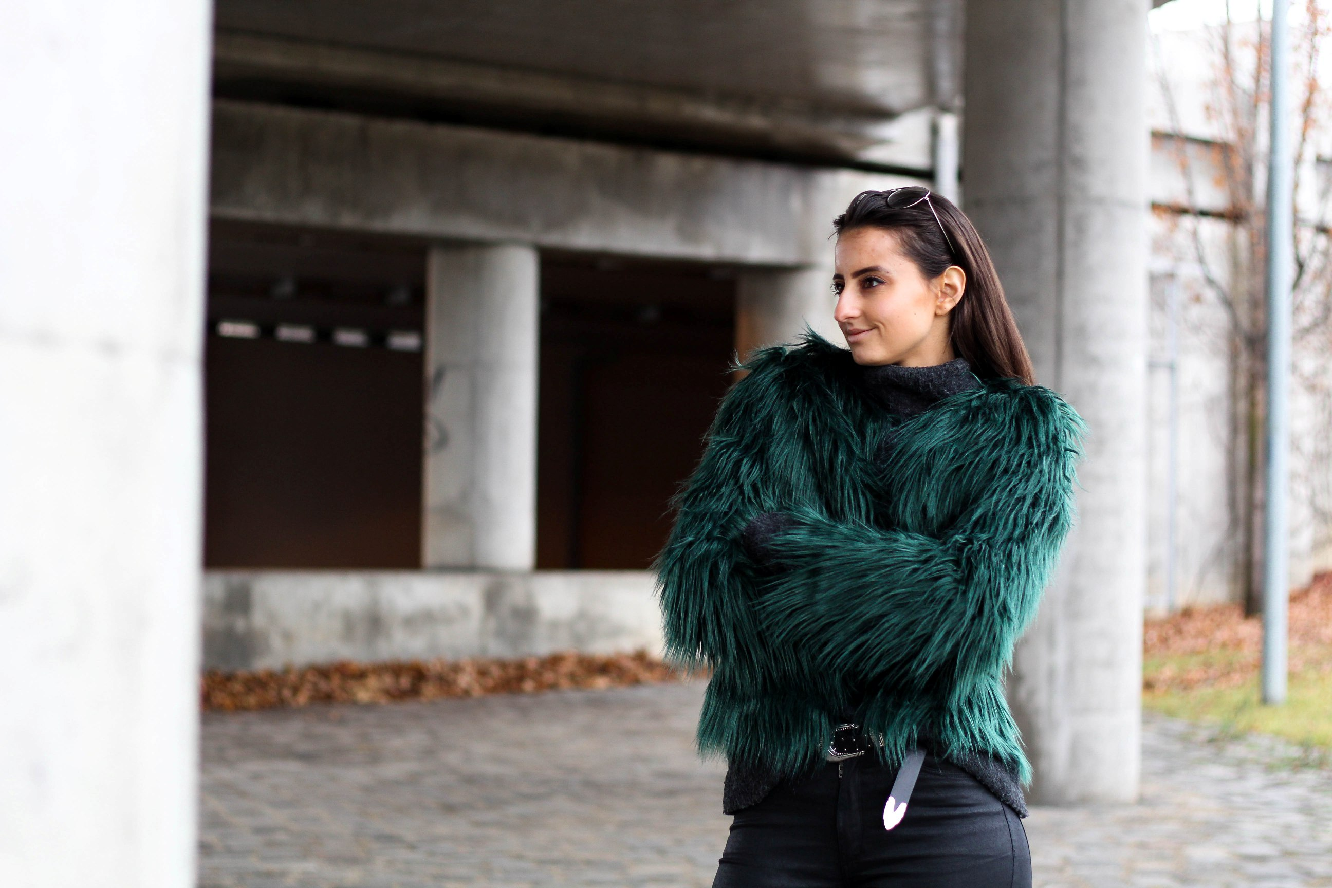 green faux fur_the taste of violet
